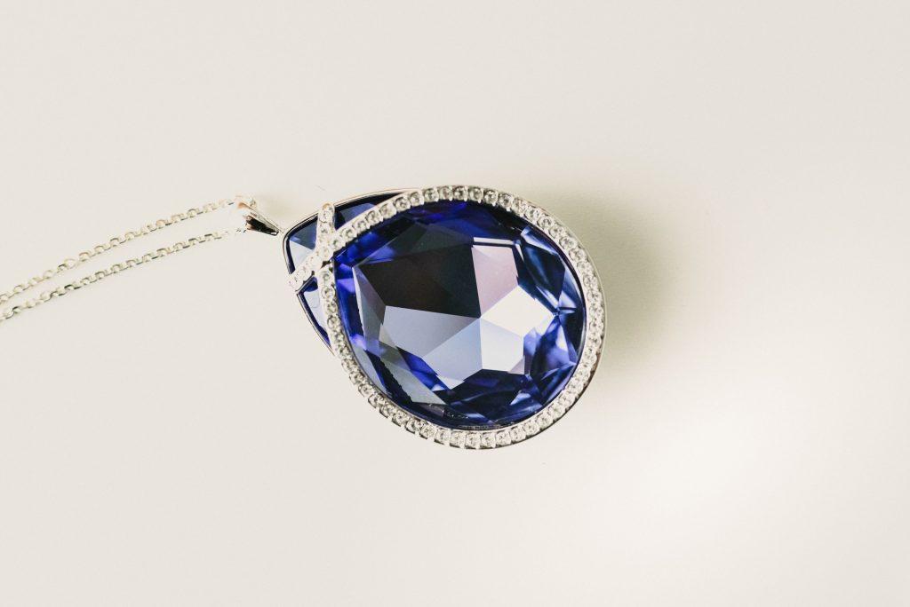 blue saphire necklace